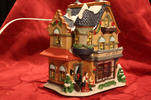 Christmas Village- 5 collectibles