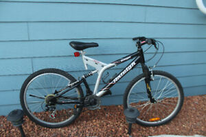 """Mens / Youth Bike 26"""" - 21 Speed - Raleigh Avenger - Low Price!"""