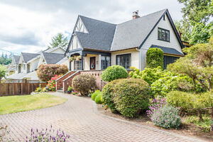 4 Bed + Den Charchter Home- Cordova Bay