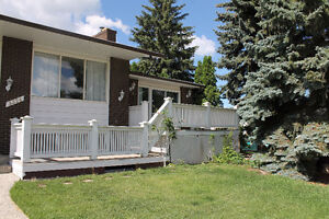 Room for Rent Close to Southgate LRT Station Utility Included
