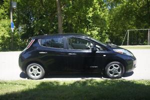 2012 Nissan Leaf SV Sedan