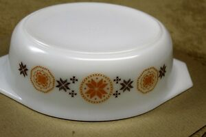 """Pyrex ""Town & Country"" Oval Casserole & Lid 1963 1 1/2qts. Kingston Kingston Area image 5"