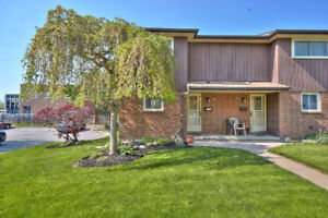 3 bedroom end unit- St. Catharines Townhome