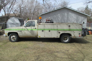 1981 Chevrolet 1 Ton Service truck with western truck body