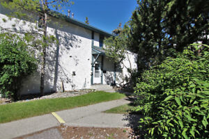 Fantastic Renovated Ranchlands Townhome for sale!