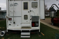 2006-1060 Citation 4 season truck camper with slide out