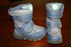 Waterproof Cougar Toddler Winter Boots-Size 8M