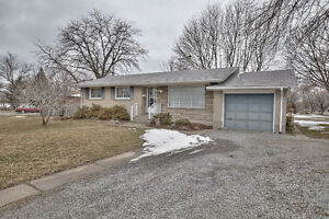 Renovated Bungalow for Rent Bunting Road St. Catharines