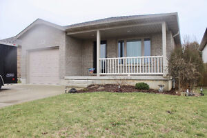 BEAUTIFUL 4 + 1 BEDROOM IN CHATHAM ONTARIO