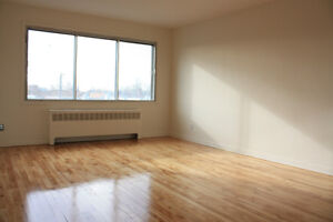 Renovated 4 1/12 in Lasalle near waterfront