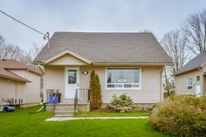 4 bedroom house for rent 3 min walk to Laurier for May