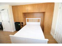 1 bedroom in Burnham Gardens, HOUNSLOW, TW4(Ref: 1408)