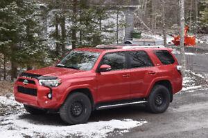 2018 Toyota 4Runner SR-5 SUV, Crossover