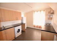 2 bedroom flat in Church Road, Manor Park, E12