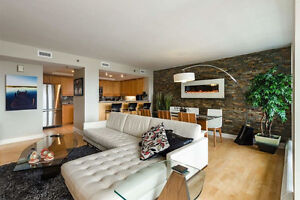 Bishops Landing Large Condo with Beautiful Harbour views