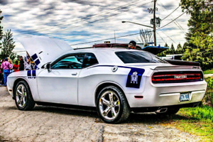 Priced to sell - HEMI 2011 dodge challenger RT V8 Manual