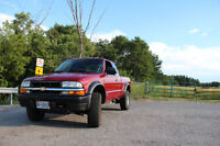 2003 Chevrolet S-10 zr2 Pickup Truck