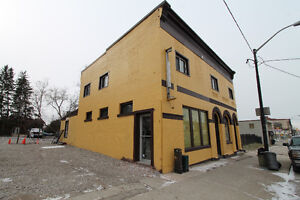 Great investment opportunity! Two business' plus apartment unit