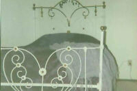 ROMANTIC HEARTSHAPED MID 1800's ANTIQUE BRASS & IRON BED