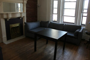 Large 2 bedrooms apt, Central Downtown for  F1 weekend