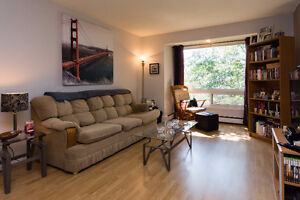CATCH YOUR LUCK!!! 2 br in Bedford