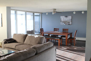 Fully furnished Downtown 3 bedroom condo