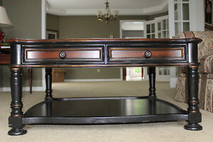 REDUCED TO SELL - BEAUTIFUL SOLID WOOD COFFEE TABLE