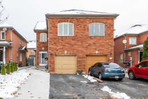 Immaculate Semi-Detached Features 3+1 Bedrooms & 4 Washrooms