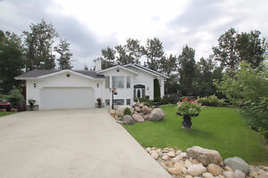 STUNNING EXECUTIVE RENOVATED BI-LEVEL IN MILITARY POINT!