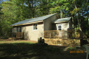 Cozy & Private Countryside Cabin near Bancroft