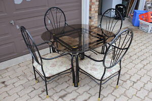 Dining room set with four chairs