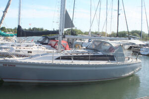 Oday 322 sailboat for sail.  Excellent condition