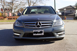 2012 Super clean Mercedes-Benz  C300,fully louded