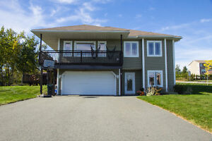 3 Leah Blvd. Spacious and Modern 3+1 Bedroom Home