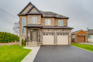 Immaculate 4 bedroom, 3.5 bathroom two storey home for sale!
