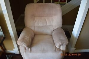 RECLINER IN AS NEW CONDITION