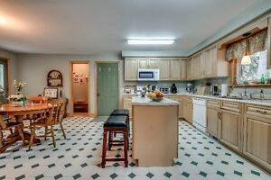 Privacy! Tillsonburg - Ravine Lot - London Ontario image 7