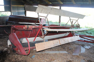 massey harris 60 combine/jd 450 manure spreader/pull type swathe Belleville Belleville Area image 5