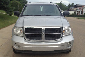 2009 Dodge Durango SLT AWD, immaculate condition