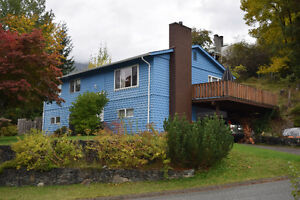 Beautiful Mountain Views Campbell River Comox Valley Area image 1