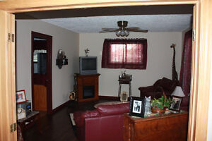 3+1 bedroom house with inground pool for rent