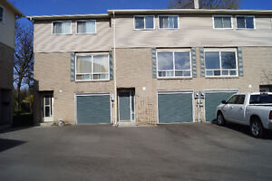 Wow!! Its Affordable!! Open House Sun. 2-4 p.m.!