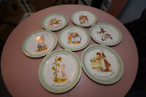 Holly Hobbie Vintage 1972 Collector's 7-piece Plate Set
