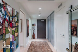 """★""""West Pender Place"""" -- 2 BR with Spectacular View & Design★"""