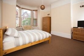 VERY LARGE ROOM TO RENT, SKY TV IN ROOM, ALL BILLS INC, NO DEPOS, FULLY FURN, WIFI, WEEKLY CLEANER
