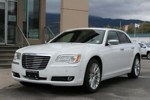 2011 Chrysler 300 Limited   - Uconnect -  Navigation - Sunroof -