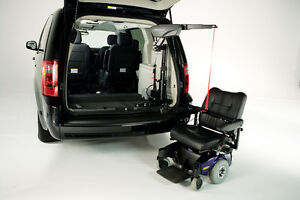 Bruno Wheelchair/Scooter Van Lift For Sale Kawartha Lakes Peterborough Area image 2