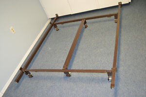 ADJUSTABLE   METAL BED FRAME WITH CENTER SUPPORT