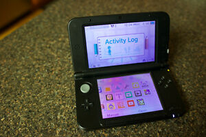 FOR SALE - Good Condition - Nintendo 3DS XL  With 2 Games