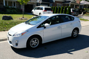 2011 Toyota Prius (White, JBL stereo, Back-up camera, Bluetooth)